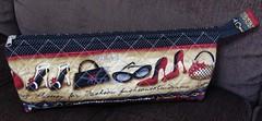 Necessaire Fashion (Coisas de Arteira - Cinthia) Tags: seminole patchwork bolsa manta tecidos necessaire costuras frasqueira caminhodemesa capadegalo janelasdacatedral