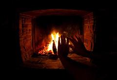 Open Fire (C_MC_FL) Tags: wood winter light chimney hot home ex silhouette canon fire photography eos austria licht sterreich hands warm glow fotografie zuhause sigma fisheye holz feuer warmingup kamin homely hnde gemtlich glut heis openfire 10mm umris fav10 wrme fischauge kaminfeuer kontur aufwrmen 60d gettyimagesstilllife gettysalq4 flickr12days