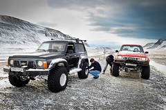 Á Tröllatunguheiði (SteinaMatt) Tags: expedition truck matt iceland nikon 28 february nikkor ísland febrúar 2012 vestfirðir westfjords 1755 steinunn tröllatunguheiði steina jeppaferð d7000 matthíasdóttir