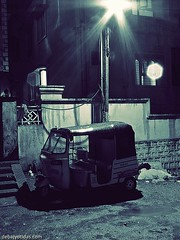 Lonely Auto (Debajyoti_Das) Tags: auto india hyderabad autorickshaw indiantaxi madhapur