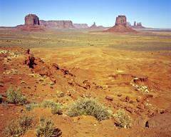 USA - Utah - 2001-09_008 (Xingfung) Tags: 2001 usa 120 film utah september 6x7 monumentvalley mamiya7 ektachromee100vs
