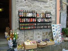a Corniglia... la storia in bottiglia (costagar51) Tags: italy liguria folklore cinqueterre corniglia laspezia anticando