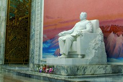 Kim II-sung Statue (Joseph A Ferris III) Tags: art statue propaganda northkorea pyongyang dprk juche kimiisung