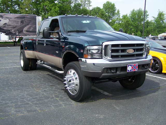 blue ford f550 dually