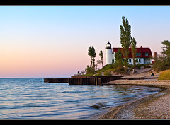 Point Betsie Lighthouse at Dusk (Craig - S) Tags: sunset lighthouse beach water america dusk michigan seawall lakemichigan beacon frankfort sleepingbeardunesnationallakeshore benziecounty pointbetsielighthouse canon5dmkii