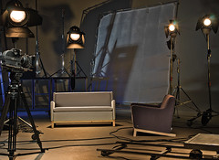Cart (Plow Comunicao) Tags: camera cinema travelling art film set studio de design furniture daniel ernst m sofa direction plow armchair bruno sof henrique luiz comunicao poltrona ribas mannes nadai locall jahara zenor mdesign praticvel clickcenter