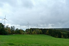 Windkraftrder (GuteFee) Tags: eifel landschaft windkraftrder kalltal