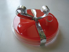 GIFT01 (Bacteriology) Tags: gift laboratory present microbiology petridish bacteriology bloodagar bloodagarplate