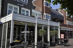 serre aan het plein (brasseriemirell) Tags: restaurant drinken stoel terras eten brasserie tafel wilhelminaplein serre naaldwijk olijfboom mirell