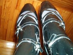 IM002445 (grandmacaon) Tags: highheels balletheels talonsaiguille escarpins balletpumps sexyheels hautstalons