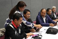 gc2016-tablet-tagalog-L6802 (United Methodist News Service) Tags: oregon training portland technology unitedstates learning tablet instruction gc2016