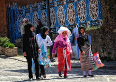 Chefchaouen Ladies (collinsad2015) Tags: morocco chefchaouen bluecity chacune