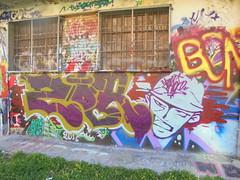 773 (en-ri) Tags: guy muro wall writing torino graffiti head viola ragazzo zor testa