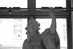 L1008774 (LaBonVampire) Tags: leica paris france art museum zeiss louvre culture carlzeiss zm leicam8 teletessart485 teletessar85
