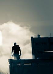 def un homme dans les nuages  (1 sur 1) (west elsa) Tags: silhouette canon nuage homme dfense urbain