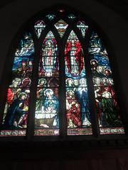 All Saints' Church, Sutton Courtenay: stained glass window (John Steedman) Tags: uk greatbritain england church window unitedkingdom stainedglass berkshire oxfordshire stainedglasswindow allsaints berks oxon grossbritannien     grandebretagne suttoncourtenay