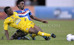 Malaysia Premiere League football soccer (Hafizudin) Tags: sports football asia action soccer malaysia editorial fam mal asean johor sukan perlis pfa bolasepak kangar aksi nikond300s afsnikkor400mmf28dii