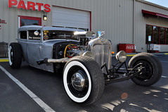 Rat Rod (AmericanBiker) Tags: white ford wall hub 1930s pin rad caps wrapped wrap tires chrome tips rod 30s exhaust breather striping