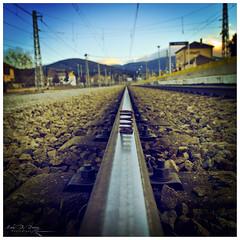 Metal roadways (Mark B. Duncan) Tags: metal main rail trains center line railways vias enfoqueatreses