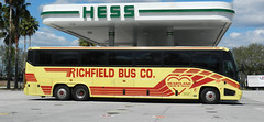 Richfield Bus Co. 5803 (traveling around) Tags: travel bus rochester heartland co tours mn richfield 5803 usdot335348