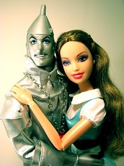 Toy Sunday - Cute Couple (Q. Q. Kachoo) Tags: toys dolls oz barbies kens tinman nickchopper toysunday tinmanken wizardofozcollection2007 nimmieamee nicknimmie toysundaycutecouple brunetteglimmerprincessbarbie2008