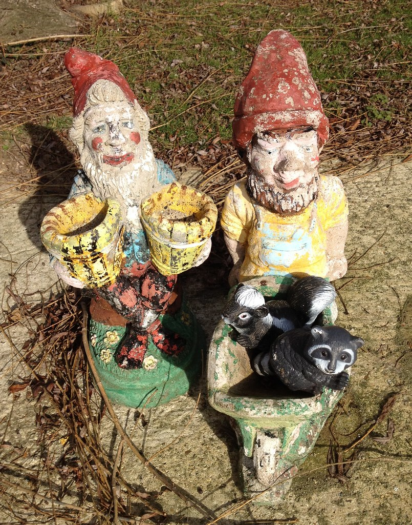 The World\'s Best Photos of gnomes and statues - Flickr Hive Mind