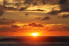Atardecer en Montañita (María Granados) Tags: sunset sky sun sol atardecer ecuador colores cielo puestadesol montañita