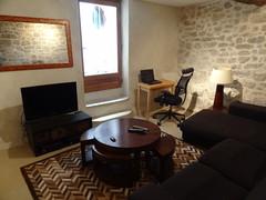 Salon LED TV, Blu Ray, Wi Fi, accès patio