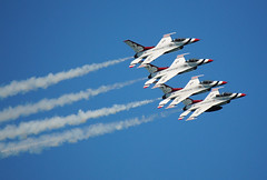 USAF Thunderbirds (Infinity & Beyond Photography: Kev Cook) Tags: us display aircraft aerial airshow f16 fortlauderdale thunderbirds airforce usaf