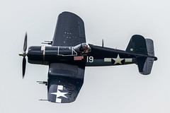 USN Vought F4U-1D Corsair 92399/NX451FG '19' (Hugh Dodson) Tags: sunday ypsilanti corsair 19 usn willowrun vought f4u1d 92399 nx451fg thunderovermichigan2015