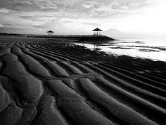 Sanur Beach, Bali, Indonesia. (Md_KhairilX) Tags: morning bali white black texture beach sunrise wonderful indonesia landscape asian photographer visit welcome sanur karang cintailahcinta mohdkhairilx