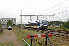 20160519 NSR 2202, Noordwijkerhout (Bert Hollander) Tags: ns trein grijs fff noordwijkerhout nsr sprinter stel 2202 nwh testrit flirt3 vuilafvoerbedrijf 91561lddlis