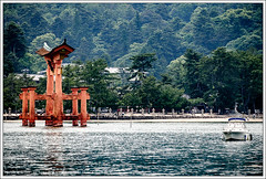 Torii @ Itsukushima Shrine, Japan (hypnotixed.com) Tags: travel trees red green water japan boat shrine asia miyajima torii itsukushima