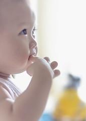 Good to eat. 好吃. (Ah Wei (Lung Wei)) Tags: family portrait baby nikon 50mmf18 nikon50mmf18 nikond7000