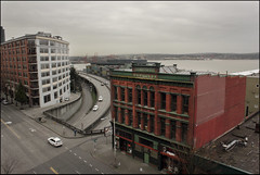 First and Battery - Alaska Way (dr.Ozda) Tags: seattle washington belltown elliottbay firstavenue batterystreet batterystreettunnel alaskawayviaduct hullbuilding drozda