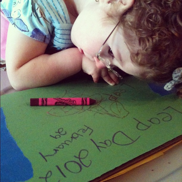 Cs #DYSTONIA is really bad today. Those crayons just wont stay in her hands  Frustrating for her. #specialneeds