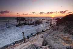 First light over turbulent waters (Luca Zappacosta) Tags: sea italy costa sunrise dawn coast rocks italia mare alba rough adriatic abruzzo adriaticsea adriatico scogli mosso blackcard gnd sanvitochietino trabocco costadeitrabocchi mareadriatico graduatedneutraldensity blackcardtechnique lucazappacosta zappacostaluca coastoftrabocchi mygearandme mygearandmepremium mygearandmebronze mygearandmesilver cartoncinonero ringexcellence traboccopuntatorre tecnicadelcartoncinonero trabocchicoast filtroneutrodigradante