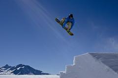 Sending it to the sun (Philip Field) Tags: snow sport snowboarding nikon europe skiing snowboard sunrays verbier freeskiing samhamilton d7000 samuelhamilton nikond7000 philipfield philfield verbiersnowpark swatchsnowpark