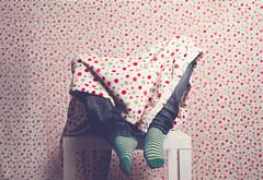 65/366 (Jordi Ortol) Tags: light selfportrait texture textura socks contrast canon vintage project studio table eos one sock day foto shot juan head flash grain autoretrato estudio dia blanket cabeza desaturation sin saturation 7d una rug 365 proyect jordi lunar ao softbox manta mesa durante 2012 grano studi estudi calcetines calcetin bowens 366 vignet octogonal strobist vieteado difusor yongnuo ortol jokiepepillo