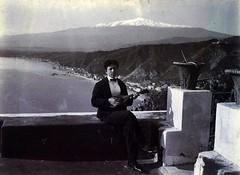 Taormina 1800 - Il musicista (Vintage photo) (Luigi Strano) Tags: italy europa europe italia sicily taormina sicilia messina vintagephotos sicile sizilien