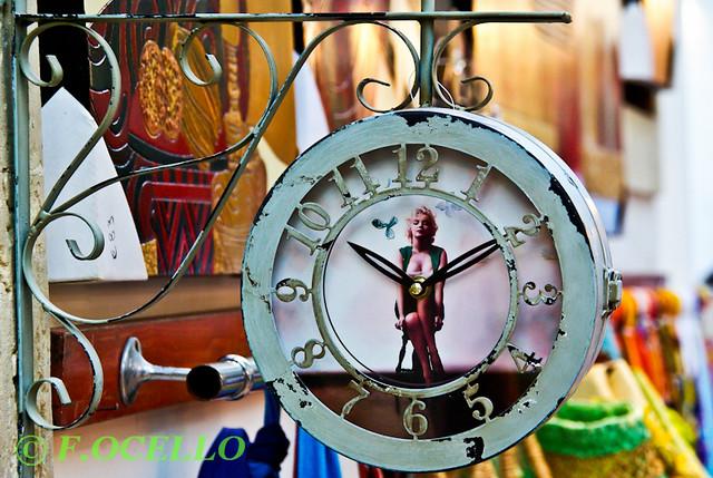 Marilyn clock