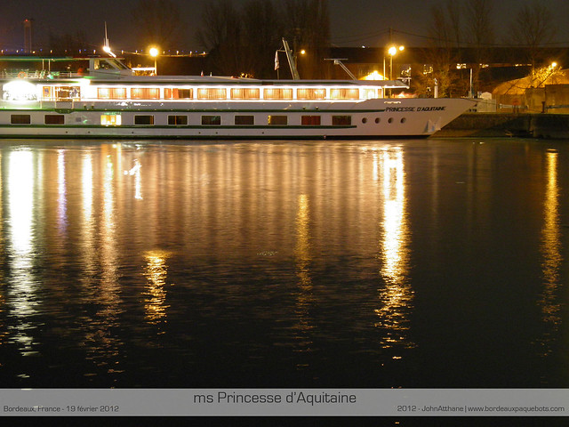 ms Princesse d'Aquitaine by night - Bordeaux - P2190286-2