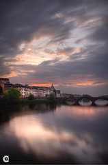 Firenze Sunset (OC Photographie) Tags: sunset italy sun clouds canon pose soleil florence long exposure italia coucher firenze arno nuages hdr italie longue