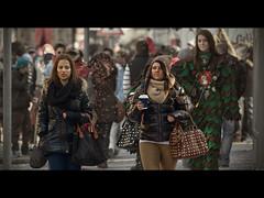 Ambiance confettis (www.darnoc.fr) Tags: photoshop canon eos carnaval fte 70300mm confettis gens masque lightroom 70300 dguisements lesgens ef70300mmf456isusm 60d eos60d
