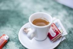 Cafe_DSC1782 (Volker Meissner) Tags: italien tasse cafe keks sommer kaffee espresso sonne crema lecker feierabend alassio feuerzeug ruhe nachmittag genuss ligurien uferpromenade