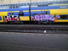 at night I live my life right (Holland paint) Tags: streetart train graffiti ns trein