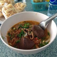 ขนมจีนน้ำเงี้ยว | Rice Flour Noodle Topped With Spicy Minced Pork Soup Northern Thai Style @ ข้าวซอยพอใจ | Khao Soy Por Jai