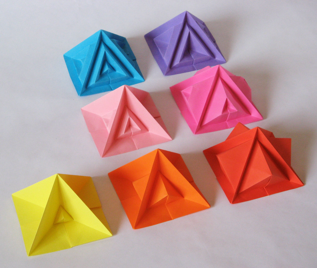 the world 39 s best photos of origami and piramide flickr hive mind. Black Bedroom Furniture Sets. Home Design Ideas