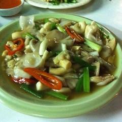 เห็ดนางฟ้าผัดน้ำมันหอย | Stir-Fried Sarjor-Caju Mushroom With Oyster Sauce @ เนเน่ ปลาเผา เจ็ดยอด | Ne Ne