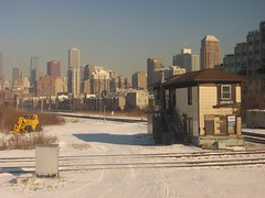 metx16thStreetTower_3 (cn998899) Tags: ri railroad chicago tower skyline cn ic crossing trains amtrak 16thstreet metra interlocking rockisland canadiannational illinoiscentral amtk lasallestreetstation stcharlesairline metx